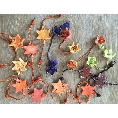 Bracelets étoiles multicolores
